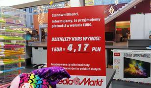 W polskich marketach możesz zapłacić w euro. Ale trzeba uważać na kurs