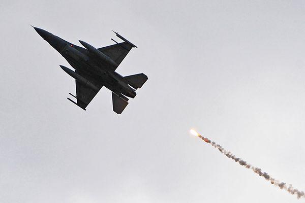 Belgijskie F-16 zostaną w Polsce do końca sierpnia