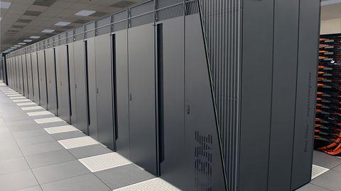 Chińskie superkomputery w czasie wojny handlowej Trumpa: zyskać może ARM