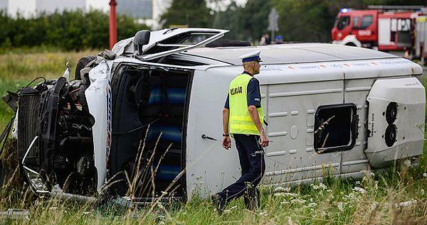 Bus dachował w Kołbieli na Mazowszu. Rannych 10 osób