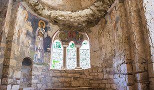 Dotychczas uważano, że ciało biskupa zostało wykradzione z kościoła w Mirze w 1087 r. i przemycone do Włoch.