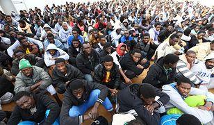 """""""Okrutna Libia"""" - nim imigranci wsiądą na przemytnicze łodzie"""