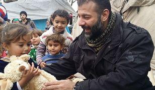 Najdziwniejszy przemytnik na świecie?  Do ogarniętej wojną Syrii przewozi zabawki