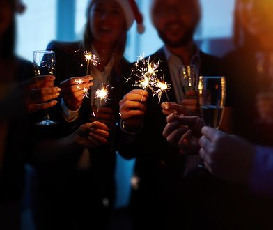 W sylwestrową noc warto wysłać bliskim życzenia noworoczne