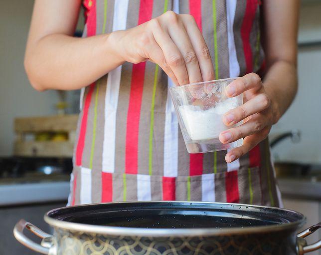 Dieta niskosodowa to dieta, którą zaleca się osobom z nadciśnieniem tętniczym, chorobami układu krążenia i chorobami nerek. Przepisy diety niskosodowej