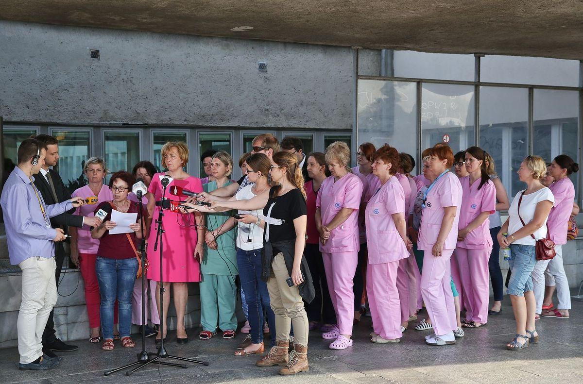 12. dzień strajku w CZD. Pielęgniarki proszą o interwencję premier Szydło