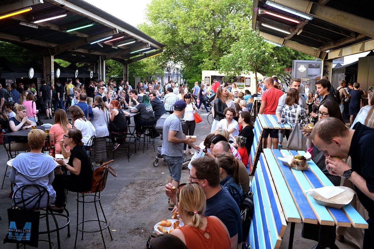 Nowe życie Dworca Głównego. Powstał Nocny Market przepełniony pysznym jedzeniem i wyjątkowymi atrakcjami