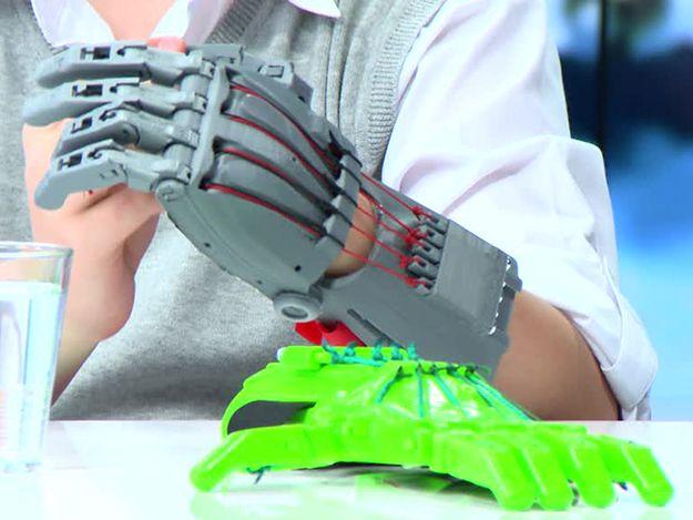 Ręka z drukarki 3D dla dziecka. Tak działa plastikowa kończyna