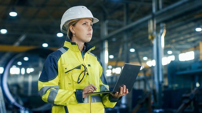W teorii kobieta na rynku pracy dziś może podejmować prawie każdy zawód. Jak to wygląda w praktyce?