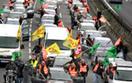 Francuska policja usuwa blokujących magazyny paliwa
