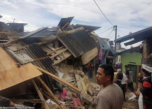 Trzęsienie ziemi na Jawie zniszczyło ponad 300 budynków