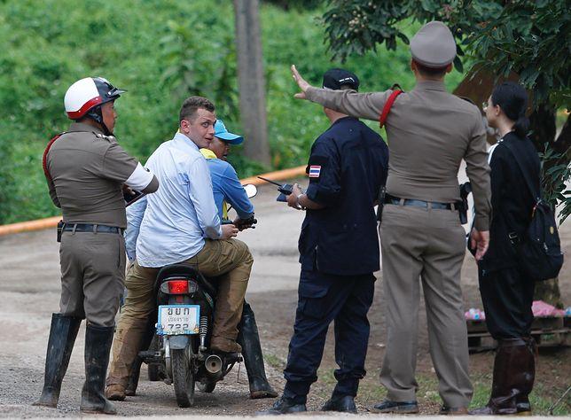 TVN24 potwierdził, że reporter stacji został zatrzymany przez policję w Tajlandii.