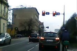 #dziejesiewmoto [195]: bezkarna policja, szeryf na posterunku i znikający wlew paliwa