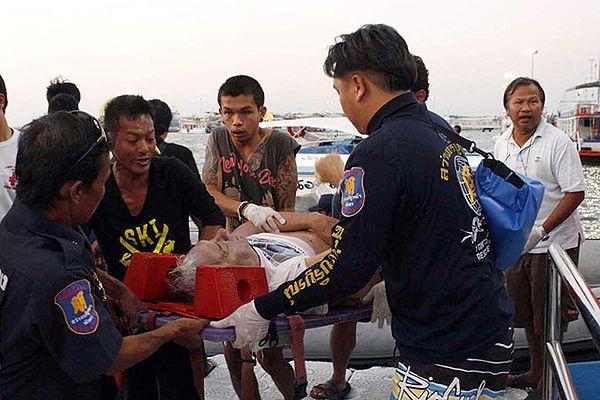 Akcja ratunkowa po katastrofie promu w okolicach kurortu Pattaya w Tajlandii