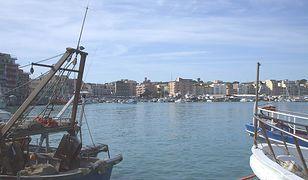 Widok na port morski w Anzio