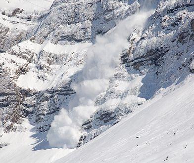 Sztuczne wywoływanie lawin na terenie szwajcarskiej miejscowości Grimentz