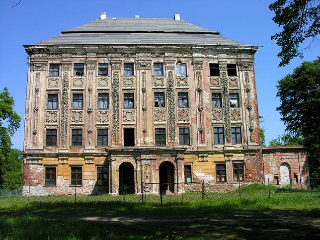 Pałac w Piotrkowicach, Dolny Śląsk