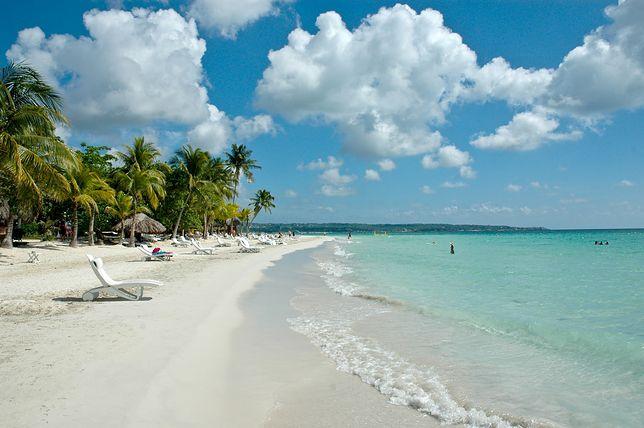 Jamajka - kraj, w którym znajdziemy piękne plaże, muzykę reggae i uśmiechniętych ludzi