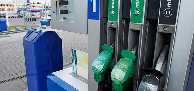 Ceny paliw znów spadną. Kierowcy mają powody do zadowolenia