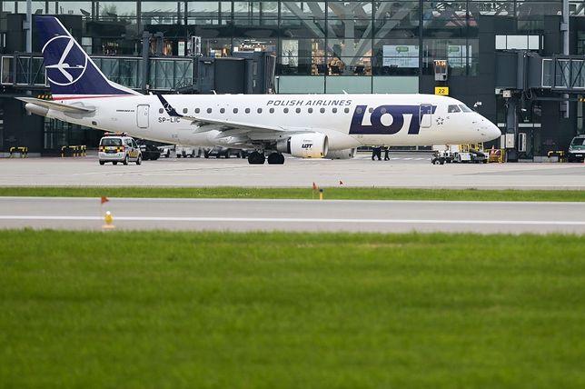 Samolot należący do linii lotniczych LOT