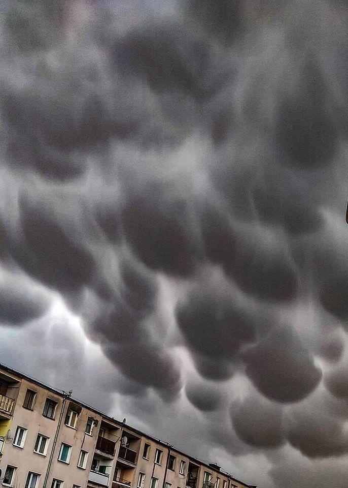Niezwykłe zjawiska na niebie. Piękny mammatus nad Polską