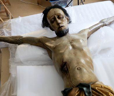 Z Powstania Warszawskiego ocalał tylko Jezus z włosami. Katedra spłonęła