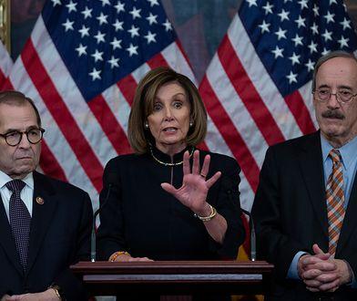 Spikerka Izby Reprezentantów Nancy Pelosi i szef komisji Kongresu ds. zagranicznych Eliot Engel (z prawej)