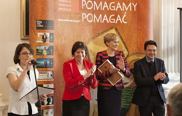 Pierwsza Dama Agata Kornhauser-Duda wspiera akcję Fundacji Świętego Mikołaja