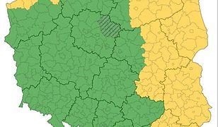 Alert pogodowy. Silny wiatr i intensywne deszcze z burzami nad Polską