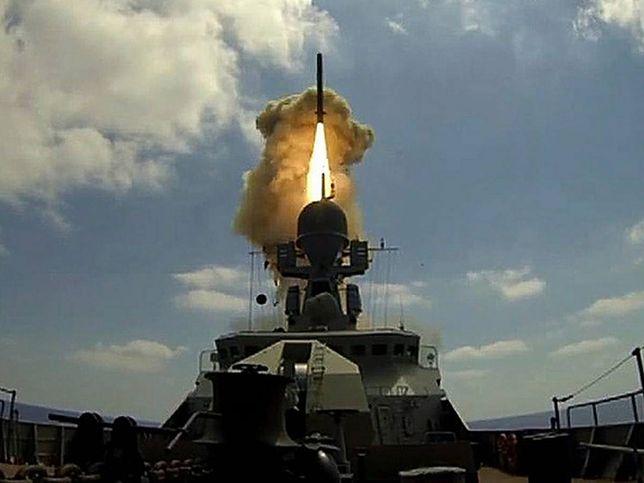 Pocisk Kalibr wystrzeliwany z okrętu Admirał Essen