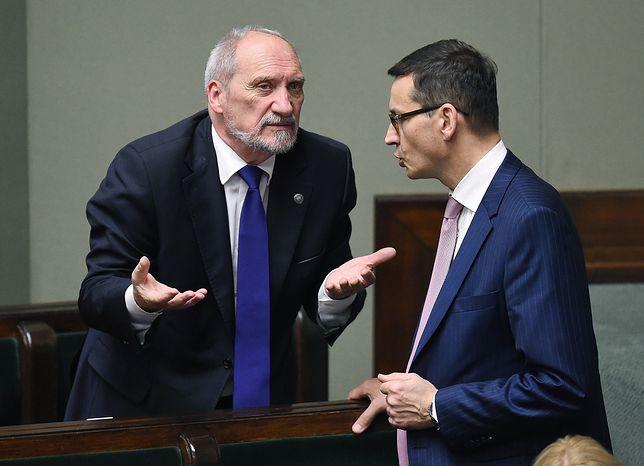 Antoni Macierewicz jeszcze w roli szefa MON i Mateusz Morawiecki jako wicepremier - jeszcze słucha, jeszcze liczy się ze zdaniem Macierewicza. To się zmieni, gdy zostanie premierem