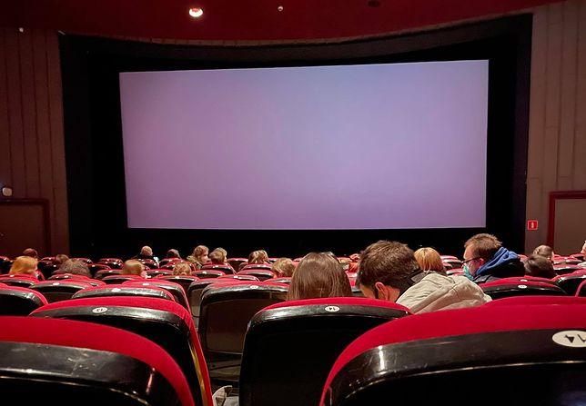 Widzowie tłumnie wybrali się na pierwsze seanse po otwarciu kin