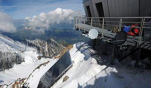 Francja - nowoczesne schronisko na Mount Blanc