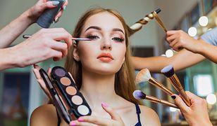 Sztuka makijażu – jakie kosmetyki są niezbędne?