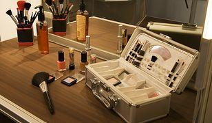 Kuferek na kosmetyki. Praktyczny sposób na przechowywanie