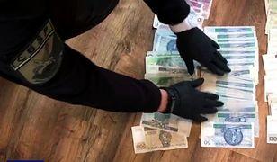 Zabezpieczono mienie, gotówkę, pojazdy i biżuterię o łącznej wartości szacunkowej 270 tysięcy złotych.