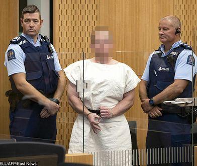 Brendon Tarrant uzbrojony w dwa karabiny przeprowadził 15 marca ataku na dwa meczety w Nowej Zelandii