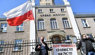 Odmrażanie gospodarki nie uratuje PKB. Polscy przedsiębiorcy, m.in. armatorzy, już tracą pracę (zdjęcie ilustracyjne)