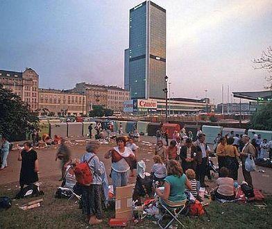 Stolica lat 90. Stwórz wraz z Pawilonem Warszawa wyjątkową wystawę!