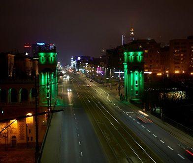 Most Poniatowskiego oświetlony na zielono! [ZDJĘCIA]