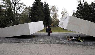 """""""Prosimy o uszanowanie naszej żałoby"""" - pomnik odsłonięty"""