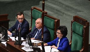 """Sejm zajął się projektem ustawy dotyczącym komisji ds. pedofilii. """"Ułomny i wadliwy legislacyjnie"""""""