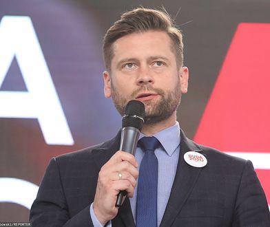Wrzawa po przegranym meczu Polaków. Kuriozalna wymiana zdań posła z dziennikarzem
