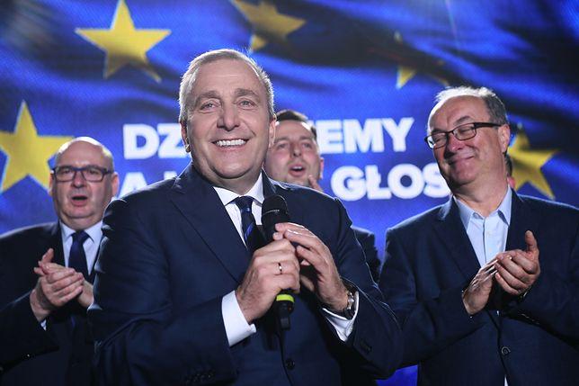 Sondaż wskazuje, że Grzegorz Schetyna jest liderem opozycji