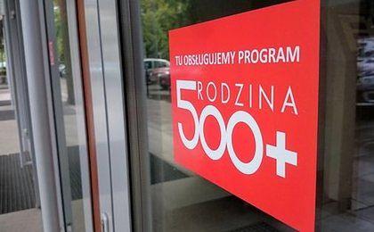 """Agata Młynarska odchodzi ze """"Skarbu"""". Wszystko przez 500+"""