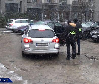 Według śledczych mężczyzna zajmował się także praniem brudnych pieniędzy