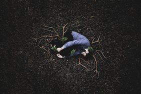 Jak wyglądają choroby psychiczne? Psycholog na fotografiach ukazał problemy swoich pacjentów