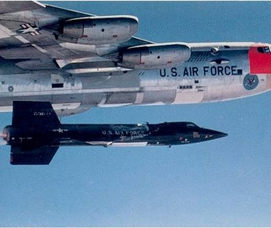 X-15 startuje po odłączeniu się od B-52