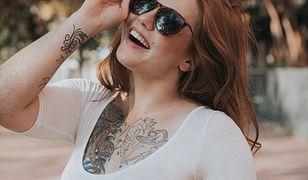 Tatuaże intymne - pośladki, brzuch i piersi z seksownymi wzorami