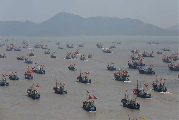 """Chińskie """"niebieskie ludziki"""" szykują się do wojny hybrydowej z USA na Morzu Południowochińskim"""